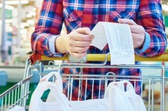The money-saving grocery shopping hacks that savvy women swear by.